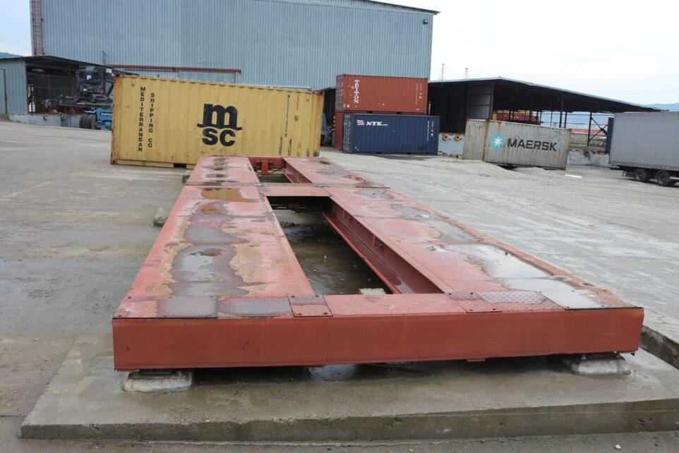 весы для взвешивания контейнеров